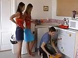 2 meisjes seks met een loodgieter