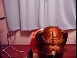 Brunette wil anaal uitgewoond worden