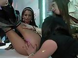 Dames in Satijn Feestje Orgie 2