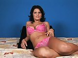 Gina D. heeft grote tieten en wordt geneukt