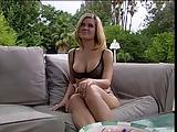 Grote tieten tiener houdt van een grote lul in haar kont