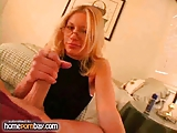 Handjob van sletterig amateur blonde in hete handjob porno 3