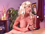 Julia kont massage
