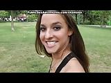 Lekkere brunette in het openbaar pijpbeurt