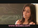 Lesbea tiener student geeft zichzelf tot leraar