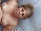 Meisje mettieten mastrubeert