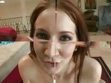 Meisje toont haar dikke tetten gratis porno