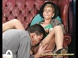 Moeders eerste diepe anale seks