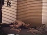 Opgehangen aan haar tieten video