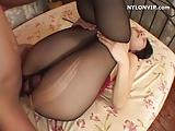 Vrouw met melkborsten zoek melkmaschine